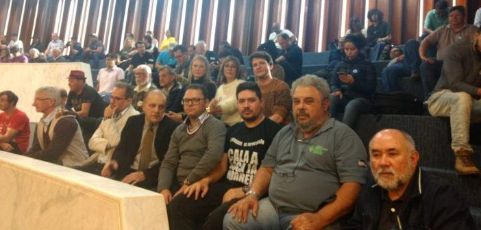 Fenajud participa de ato no Paraná na luta pela data base estadual