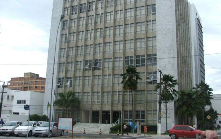 Autoritarismo no TJSE: presidente do Tribunal nega reunião com a Fenajud e dirigente sindical é removido