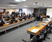 Mais um ataque: comissão do Senado aprova fim da estabilidade para servidores