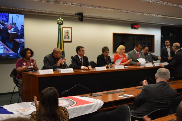 Fenajud denuncia na Câmara dos Deputados perseguição sindical no Judiciário